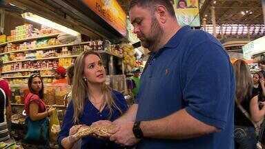 Lucianinho procura o 'cardápio perfeito' no Mercado Público de Porto Alegre - Objetivo é ter uma vida mais saudável e equilíbrio no prato.