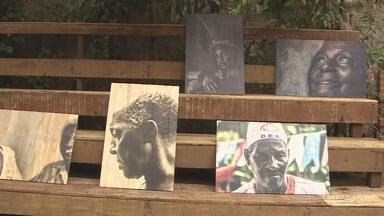 Exposição 'Amazônia Negra' foi destaque na noite deste sábado, 21. - A exposição 'Amazônia Negra', da fotógrafa Marcela Bonfim foi destaque na noite deste sábada (21). O espaço expositivo fica na Rua Prudente de Moraes, no centro de Porto Velho.