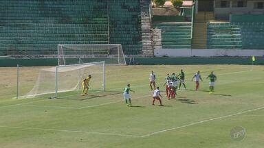 Guarani vence Guaratinguetá por 4 a 0 - O jogo foi em Campinas.