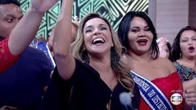Daniela Mercury canta 'A Rainha do Axé' - Cantora agita a plateia do 'Encontro'