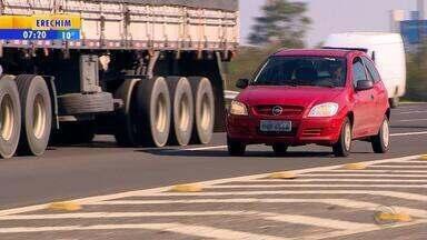 Lei torna obrigatório farol baixo em estradas durante o dia - Multa de R$ 85 e 4 pontos começa a ser aplicada em 45 dias, diz governo. Regra vale para todos os veículos; antes, luz só era exigida de dia em túnel.