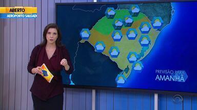 Tempo: instabilidade volta a provocar chuva no Noroeste do RS na quinta-feira (26) - Temperaturas também não baixam muito.