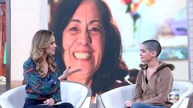Avó manda recado à neta, Miriã, que raspou a cabeça para apoiá-la em luta contra o câncer - Francisca, mãe de Miriã, também decidiu raspar o cabelo