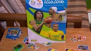 Atenção, colecionadores: já está pronto o álbum de figurinhas das Olimpíadas do Rio - O álbum chega às bancas, no dia 3 de junho. As 374 figurinhas vão trazer imagens de atletas que vão competir, nos Jogos Olímpicos, e de nomes que fizeram história, nas Olimpíadas.