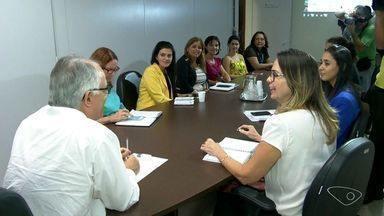 Secretaria Estadual de Saúde discute estratégia de distribuição e aplicação de vacinas - Novo lote de vacinas contra a gripe h1n1 chega ao ES.
