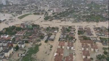 Temporais causam destruição em Pernambuco - No Recife e em Olinda, quatro pessoas morreram depois que deslizamentos de terra atingiram as casas onde moravam.