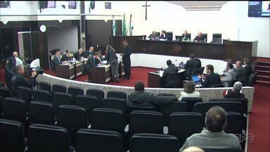 Vereadores de Toledo desistem de aumentar os próprios salários - Ministério Público pediu que eles revogassem o reajuste