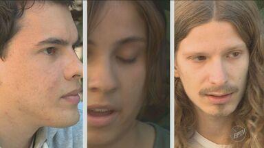 No 'Em Cena' conheça o grupo de alunos da Unicamp que participou do Festival de Cannes - Os alunos de Campinas fizeram um curta-metragem que foi exibido em Cannes, um dos principais festivais de cinema do mundo.