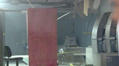 Criminosos explodem caixa eletrônico em banco de Aparecida de Goiânia - Esta é a quinta vez que a agência é alvo de assaltantes.
