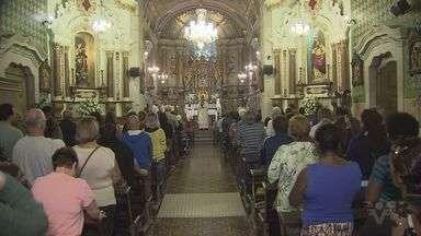 Tradicional Trezena de Santo Antônio começa no Santuário do Valongo - Celebração reúne muitos fiéis e marca o início da festa do santo que é uma das mais populares da Igreja Católica.