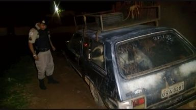 Motorista rouba animais e transporta dentro de carro em Passos (MG) - Motorista rouba animais e transporta dentro de carro em Passos (MG)