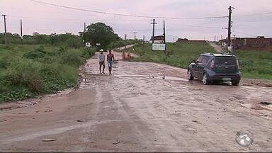 Moradores da Vila Andorinha, em Caruaru, reclamam da falta de segurança no bairro - No local há constantes casos de assalto.