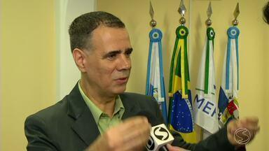 Prefeito interino assume o comando da prefeitura de Barra Mansa, RJ - Jorge Costa (PRB) assumiu o cargo depois depois que o prefeito Jonas Marins (PCdoB) foi afastado por decisão da Justiça, acusado de desvio de verba na área da saúde.