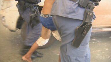 Dois menores suspeitos de assaltos são apreendidos pela PM - Dois menores suspeitos de assaltos foram apreendidos pela PM.