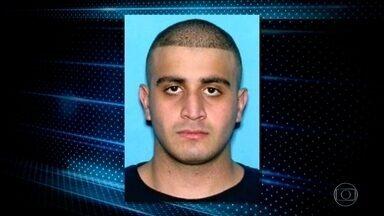Homem que matou 49 pessoas em Orlando não recebia ordens do exterior, diz Obama - Homem que matou 49 pessoas em Orlando não recebia ordens do exterior, diz Obama. O assassino, em contato com a polícia, tinha dito que servia ao grupo terrorista Estado Islâmico.