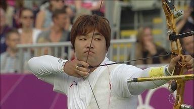 Com 10% da visão do olho direito e 20% no esquerdo, coreano se destaca no tiro com arco - Im Dong-hyun tem história de superação na carreira