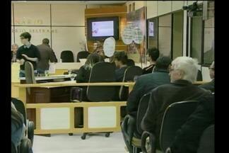Alunos ocupam a câmara de vereadores de Santa Rosa, RS - Eles pediram apoio dos vereadores para a questão da educação no estado.