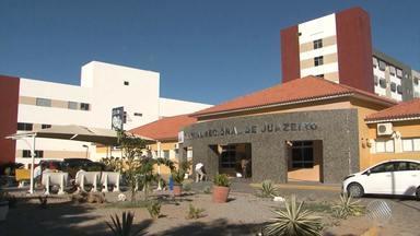 Sem condições de trabalho, médicos e funcionários de hospital de Juazeiro param atividades - Paralisação deve durar 48 horas. Só no ambulatório, cerca de 320 pessoas estão deixando de ser atendidas diariamente.