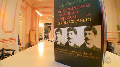 Após um século, Simões Lopes Neto desperta interesse das novas gerações - Nascido em Pelotas, o autor escreveu Contos Gauchescos e Lendas do Sul.