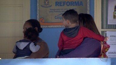 Pais reclamam da demora para vacinação contra gripe em postos de saúde de Campo Grande - Foi retomada, nesta terça-feira (14), a campanha de vacinação contra a gripe em Campo Grande. Pais reclamaram da demora no atendimento em algumas unidades.