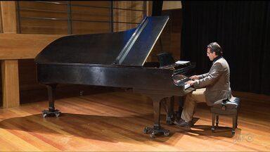 Alvaro Siviero se apresenta nesta quarta-feira em Curitiba - O recital do pianista faz parte de um projeto em homenagem ao Cristo Redentor.