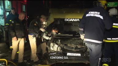 Pai e filha morrem em acidente no Contorno Sul - Eles tiveram o carro prensado entre dois caminhões!E teve outros acidentes com caminhão nos contornos de Curitiba