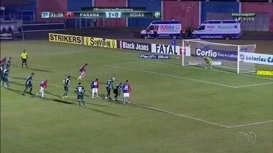 Goiás perde do Paraná e chega ao oitavo jogo sem vencer - Na estreia do técnico Léo Condé, Alviverde leva 2 a 0 em Curitiba
