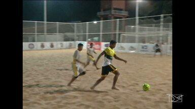 Caxias recebe etapa do Circuito Maranhense de clubes, no futebol de areia - Torneio vale vaga na fase final, que será realizada em São Luís