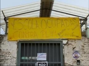 Estudantes seguem mobilizados em Passo Fundo,RS - Apesar do acordo com o governo do estado, alunos não desocuparam as escolas.