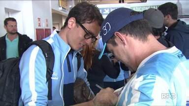Londrina volta com empate de São Paulo e já pensa no jogo contra o Bahia, no sábado - Tubarão vai ter apenas um treino na cidade.