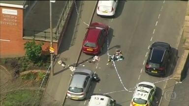 Assassinato de deputada suspende campanha na Inglaterra - Baleada e esfaqueada, ela defendia permanência na EU. Suspeito preso pode ser ligado a grupos neonazistas, diz polícia.