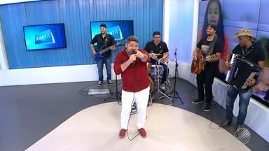 Danniel Vieira é o convidado no estúdio do BMD - Artista toca grandes sucessos e fala sobre os shows no São João.