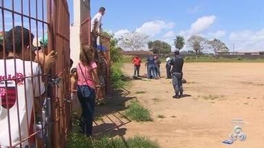 Corpo é encontrado em campo de futebol no distrito Curiaú, em Macapá - Corpo é encontrado em campo de futebol no distrito Curiaú, em Macapá