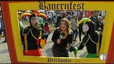 Bauernfest, festa dos colonos alemães, movimenta o fim de semana em Petrópolis, no RJ - Evento oferece diversas opções de comidas e bebidas típicas.