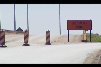 Viadutos da BR-050 são interditados pelo Dnit em Araguari - R$ 500 milhões foram gastos na construção dos três viadutos. Dnit informou que reparos e avaliações serão feitos.