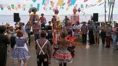 Arraial do 'Paneiro' reúne artistas da música e jornalistas para uma tarde caipira - Tem quadrilha, comidas típicas, barraca do beijo, touro mecânico, pescaria, desfile de rainha caipira, convidados especiais e muita música ao som do Forró.