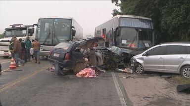 Em menos de 2 semanas, dez morrem em acidentes na BR-470, no Vale do Itajaí - Em menos de 2 semanas, dez morrem em acidentes na BR-470, no Vale do Itajaí