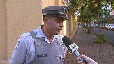 Motorista é perseguido e preso por dirigir embriagado em Ribeirão Preto - Homem furou bloqueio na Rodovia Anhanguera (SP-330) e ainda bateu em um carro, antes de ser detido.