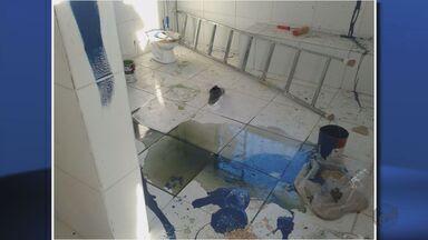 Escola é vandalizada no bairro 7 de Outubro, em Varginha (MG) - Escola é vandalizada no bairro 7 de Outubro, em Varginha (MG)