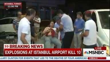 Duas explosões deixam pelo menos dez mortos e 40 feridos em aeroporto de Istambul - Segundo primeiras informações, dois suicidas se explodiram antes de passar pelo detector de metais; portanto, antes da área de embarque. Testemunhas também relataram tiroteio no estacionamento do mesmo aeroporto.