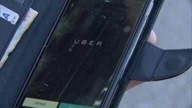Câmara Legislativa aprovou o projeto de lei que regulamenta o Uber - Depois de cinco horas de sessão, a Câmara Legislativa aprovou o projeto de lei que regulamenta o Uber.