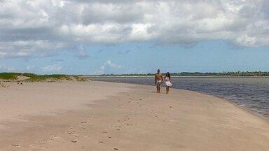 Conheça as belezas da Ilha dos Namorados em Aracaju - O quadro 'Partiu Férias' desembarcou em AracajuTexto: O quadro Partiu Férias foi até Aracaju conhecer a beleza da paradisíaca Ilha dos Namorados.
