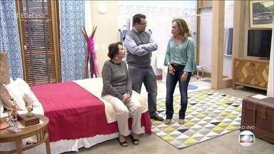 Neurologista ensina a deixar a casa mais segura para idosos - Dona Zezé aproveita para ouvir novas dicas