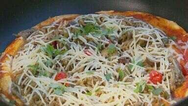 Fernando Kassab ensina uma deliciosa receita de recheio de pizza no quadro Prato Feito - Fernando Kassab ensina uma deliciosa receita de recheio de pizza no quadro Prato Feito