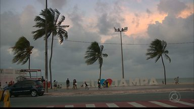Ventos de até 4 metros por segundo no litoral da Paraíba - Na praia os velejadores aproveitaram os ventos.
