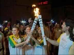 Tocha Olímpica faz percurso em Passo Fundo, RS - Milhares de pessoas acompanharam o percurso do fogo olímpico na cidade