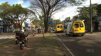 Polícia Militar faz operação em bairro de Maringá - Sessenta policiais vão às ruas