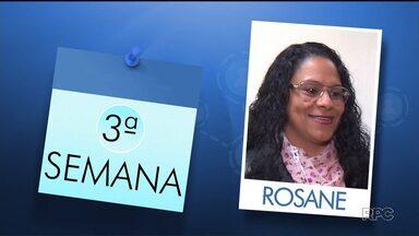 """Agência de emprego: Será que a Rosane conseguiu um emprego? - Hoje a Andressa Almeida conta como foi a semana de uma das nossas personagens da série 'Agência de emprego"""" e você também confere quantas vagas de trabalho estão disponíveis em todo Paraná."""