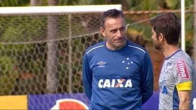 Cruzeiro e Vitória buscam uma vaga nas oitavas de final da Copa do Brasil - Jogo nesta quarta-feira traz problemas para Paulo Bento