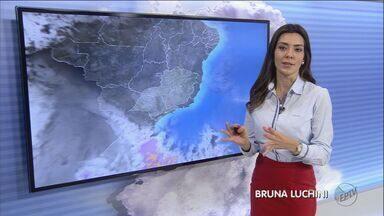 Quinta-feira (7) deve amanhecer gelada em Ribeirão Preto, SP - Massa de ar frio avança pela região; confira previsão do tempo.